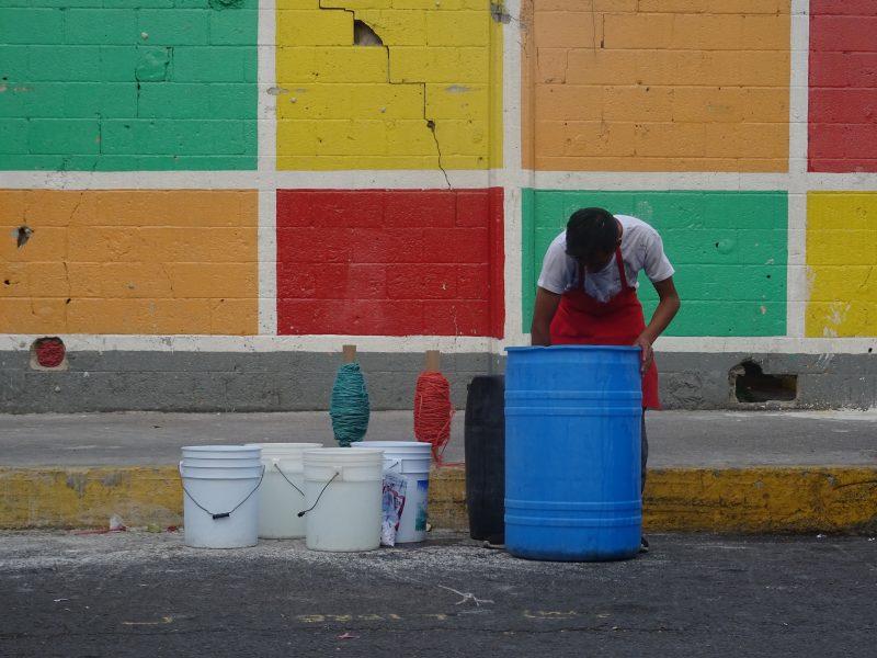 Bobbins, buckets, apron, market chessboard, 2019