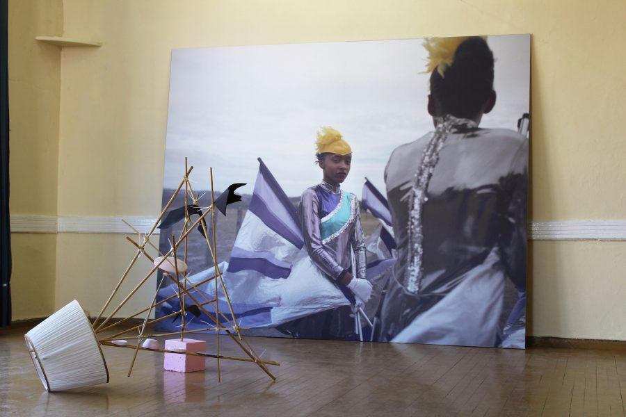 Πώς να πέσετε με χάρη: Νάνα Σαχίνη και Alice Mann, K-Gold Temporary Gallery, Λέσβος, 2018